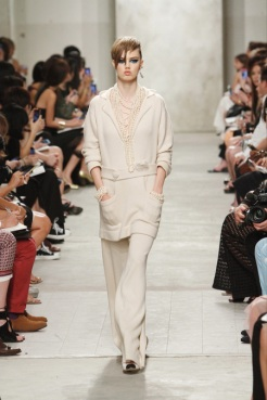 CHANEL resort 2014 Singapore - Beige pants and top II