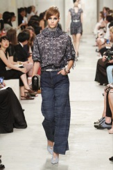 CHANEL resort 2014 Singapore - Jeans and top