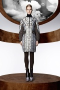la_collection_moncler_m_par_mary_katrantzou__disponible____partir_du_mois_d_ao__t_dans_les_boutique_moncler____travers_le_monde_404152703_north_545x.1