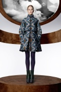 la_collection_moncler_m_par_mary_katrantzou__disponible____partir_du_mois_d_ao__t_dans_les_boutique_moncler____travers_le_monde_605192475_north_545x.1