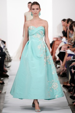 Oscar de la Renta Spring 2014 - Baby blue dress