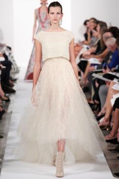 Oscar de la Renta Spring 2014 - beige chifon dress